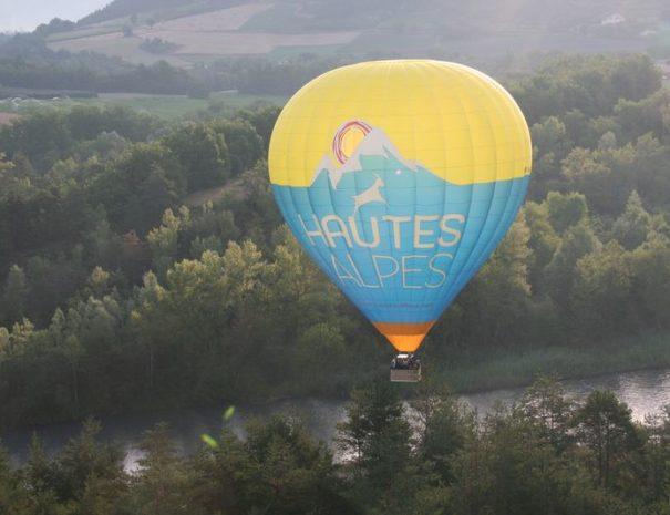Vol en Montgolfière proche Camping le Chêne 2019 Tallard Hautes-Alpes