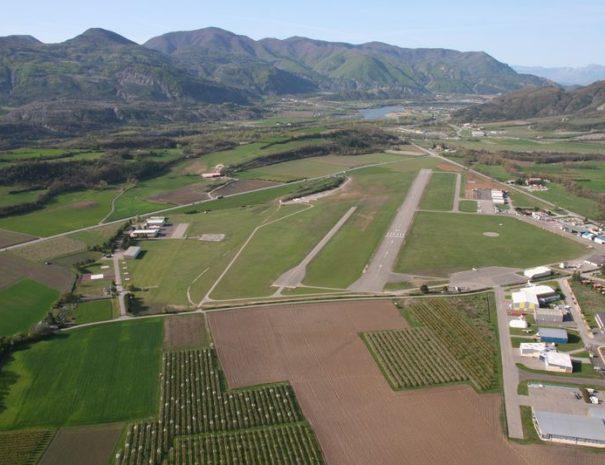 Aerodrome Tallard proche Camping Le Chêne Tallard Hautes-Alpes