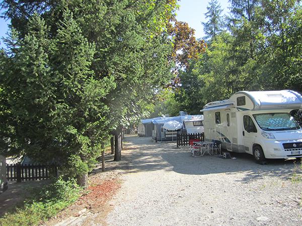 Allée Emplacement Tente Caravane Camping-car - Camping Le Chêne Tallard - Gap
