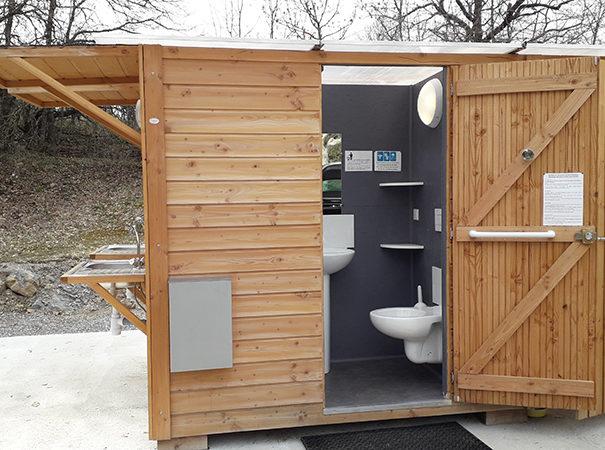 Bloc Sanitaire Neuf - Camping Le Chêne Tallard - Gap
