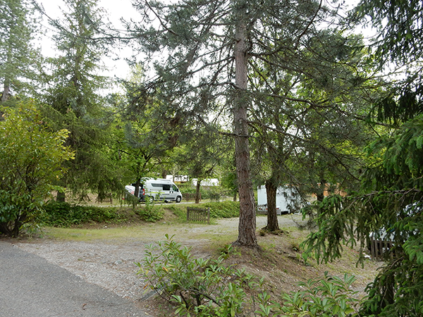 Camping Le Chene Tallard Gap - Emplacements en Terrasse