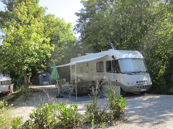 Emplacement Camping-car - Camping Le Chêne Tallard - Gap