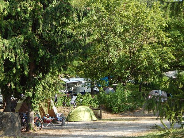 Emplacement Nature Arboré Tente Caravane Camping-car - Camping Le Chêne Tallard - Gap