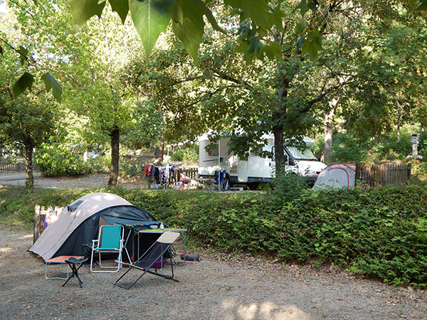 Emplacement Tente Camping-car - Camping Le Chêne Tallard - Gap