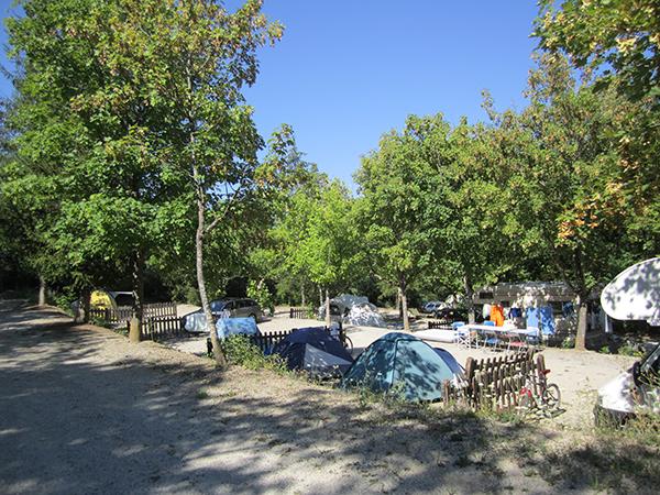 Emplacement Tentes en terrasse - Camping Le Chêne Tallard - Gap